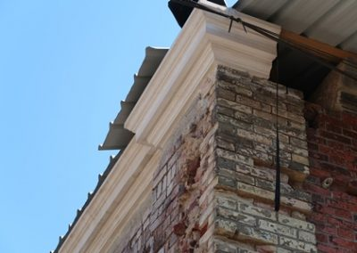 Remplacement de blocs de pierre du fronton
