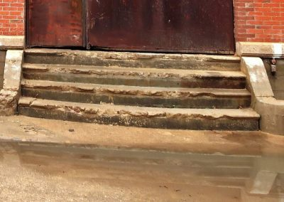 Escalier avant rénovation